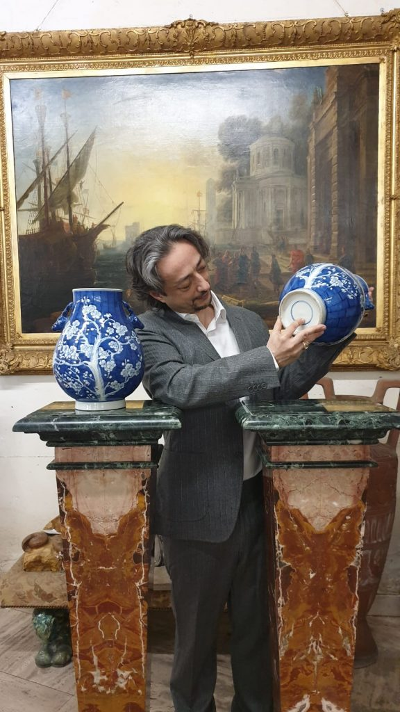 valutazione di porcellane cinesi coppia di vasi cinesi. Dinastia Ming