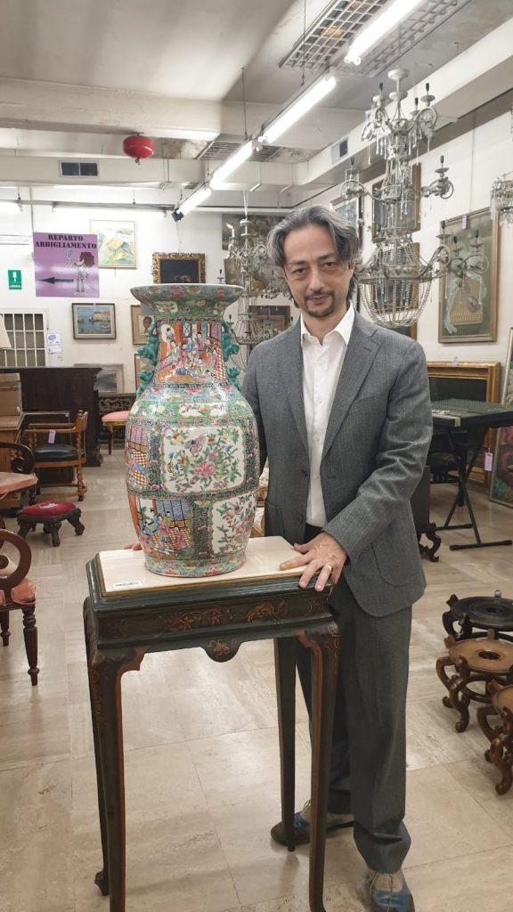 valutazione di porcellane cinesi vaso in porcellana policroma cinese. Canton XIX secolo