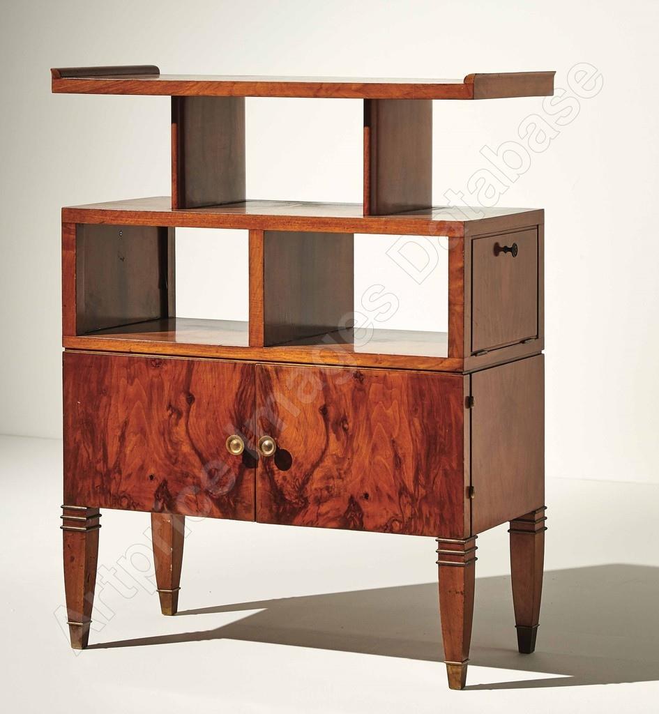Valutazione di mobili vintage e design del Novecento, Etagere Gio Ponti
